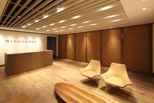 Richemont_HK_Office_02_by_Kokaistudios.jpg