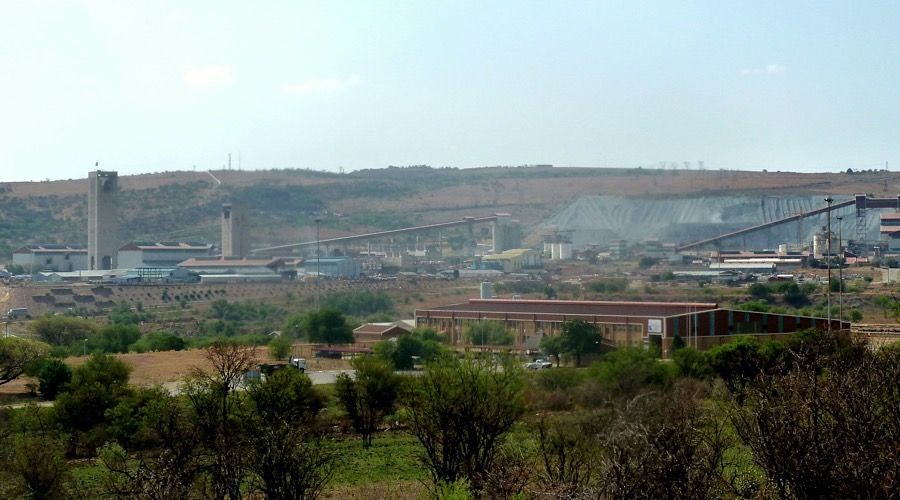 anglogold-ashanti-axe-2000-jobs-shrinks-footprint-south-africa